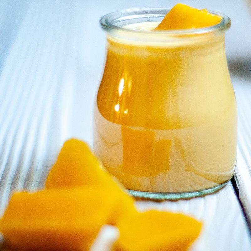 Gul Sol Detox Smoothie med Banan, Mango, Ingefær, chili og appelsin