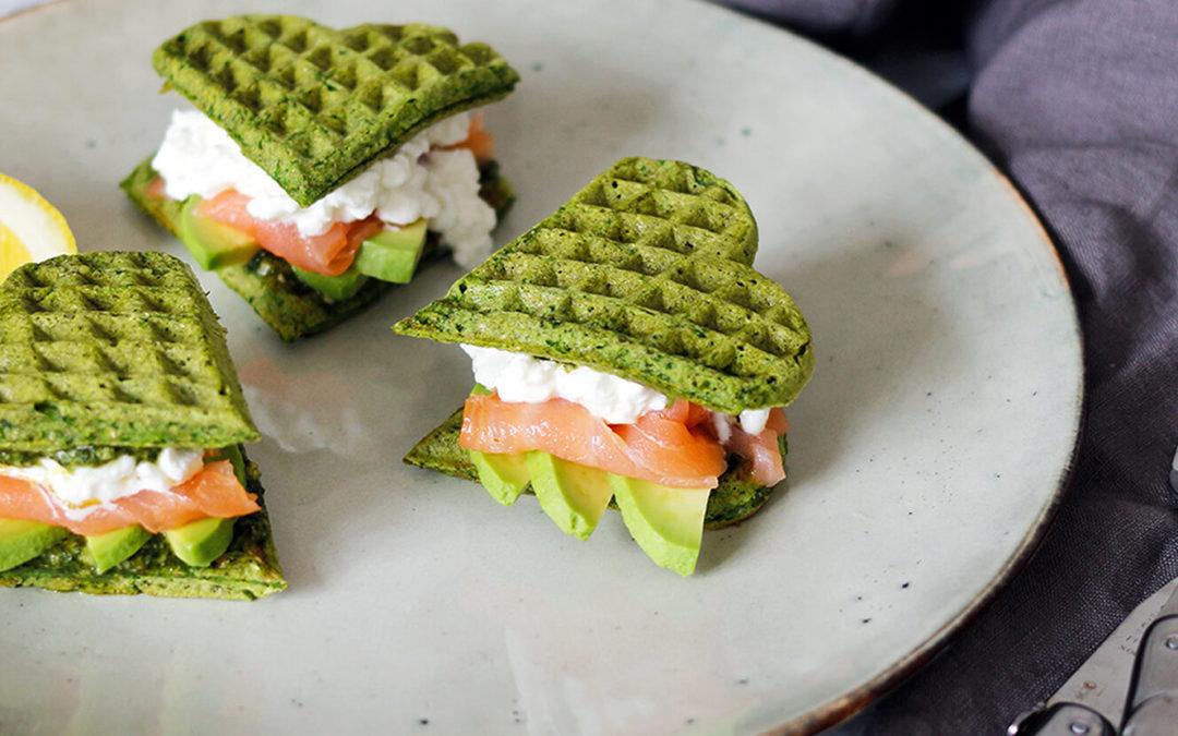 Sunde Vafler med Spinat, Laks og Avocado