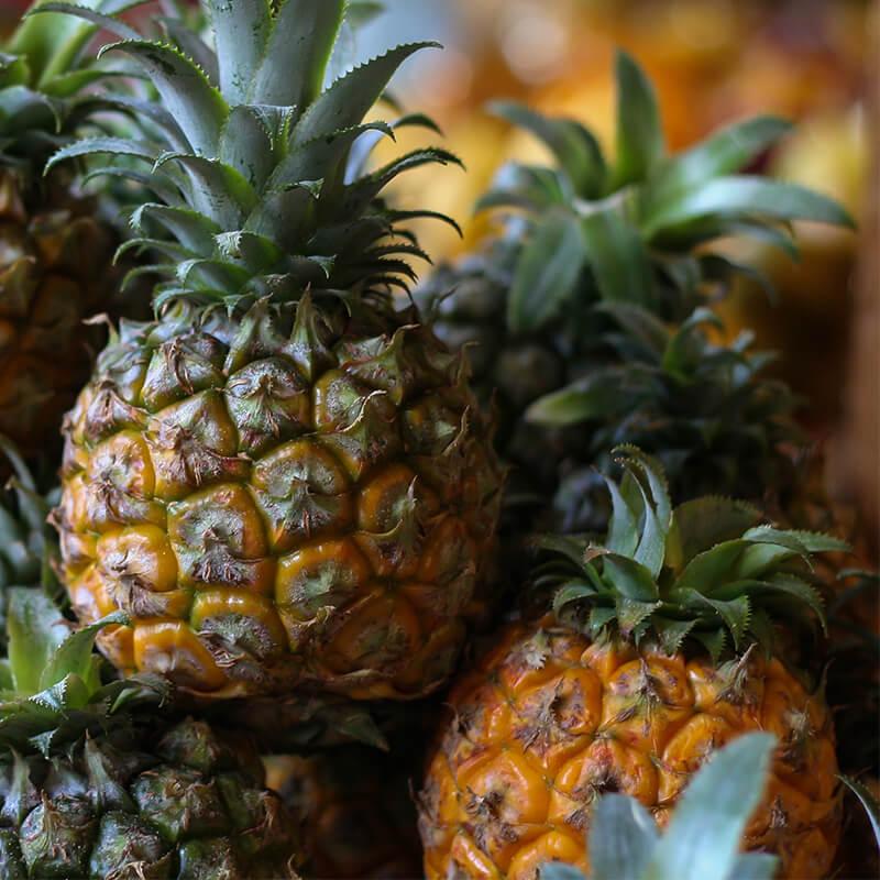 Ananas i Hawaiian Poké Bowl