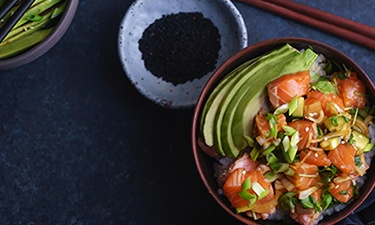 Laks & Avocado Poké Bowl
